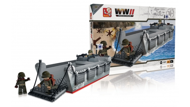 Sluban M38-70070 WWII Operation Overlord Landing Craft